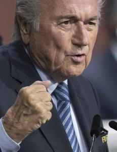 Raser mot FIFA-valg: - Dette er bare starten p� slutten for Blatter