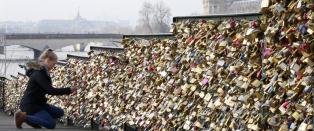 Paris fjerner en million kj�rlighetserkl�ringer