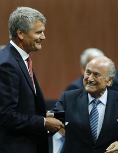FIFAs nye visepresident trekker seg p� grunn av Blatter