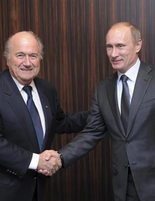 Putin hyller Blatter for hans profesjonalitet og h�ye autoritetsniv�