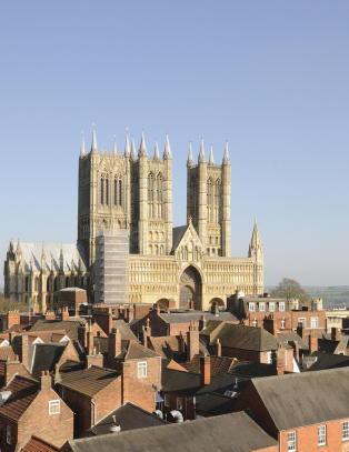 Lincoln er kjent for svinep�lser, ost og sin storsl�tte gotiske katedral