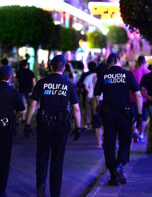 Har satt inn ekstra politistyrke for � h�ndtere fulle turister i Magaluf