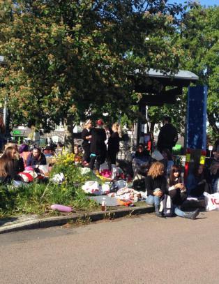 Hylende jenter, kaos og russebuss-festing
