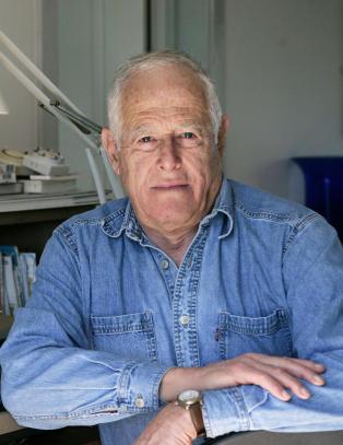 Forfatter James Salter (90) er d�d