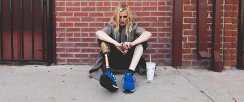 Lauren (24) mistet beinet etter tampongbruk