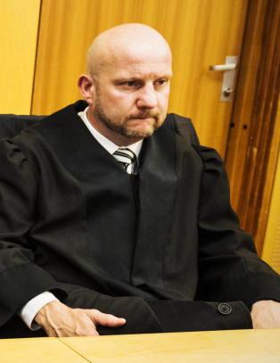 Sentralt vitne i terrorsaken akutt syk - stilte ikke i retten