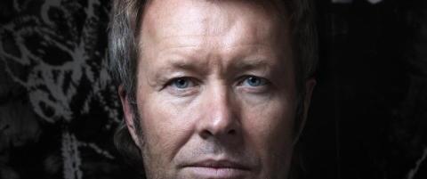 Mange Furuholmen lager verdens største krukker til Kjell Inge Røkke