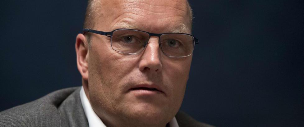 - Bjarne Riis vurderer � starte nytt profflag