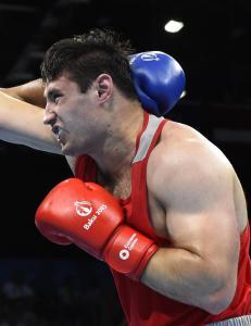 Russisk bokser fikk s� store hodeskader at han ikke kunne motta s�lvmedaljen sin