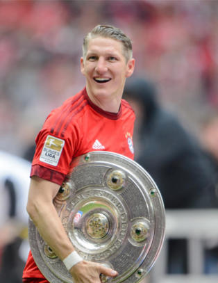 United n�rmer seg Schneiderlin - men van Gaal h�per fortsatt p� Schweinsteiger