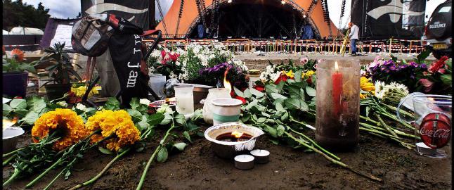 15 �r siden Roskilde-tragedien: - Det l� en haug med mennesker opp� hverandre