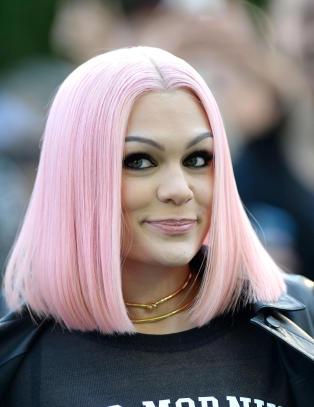 Jessie J rammet av mystisk sykdom: - Jeg har det ikke bra