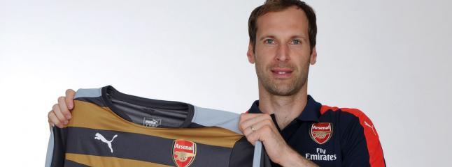 Arsenals nye keeper drapstrues etter klubbskiftet: - Si adj� til familien din f�r de sovner