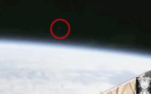 NASA kuttet direktebildene etter dette mystiske lyset