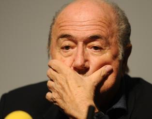 Blatter dropper damenes VM-finale