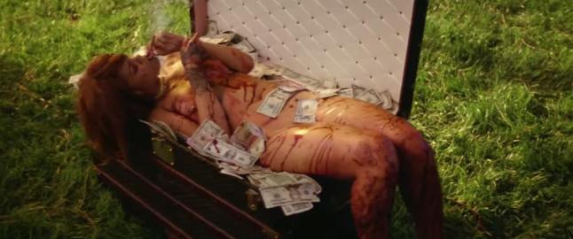 Rihanna torturerer og dreper i kontroversiell video