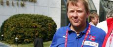 Skandale-beskyldt Hansen st�ttes av visepresidenten
