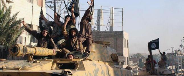 Omfattende bombeangrep mot IS i Syria