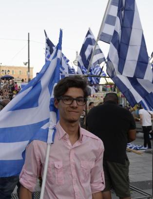- Hellas vil bli satt 20-30 �r tilbake i tid