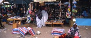 Ekstrem fattigdom i verden mer enn halvert, viser FN-rapport