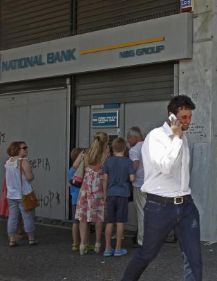 - Greske banker holder stengt framover