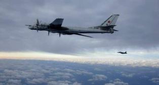 Amerikanske jagere m�tte skremme vekk russiske bombe�fly p� nasjonaldagen
