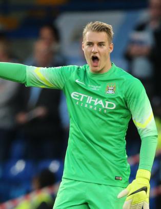 Norsk 17-�ring har signert proffkontrakt med Manchester City
