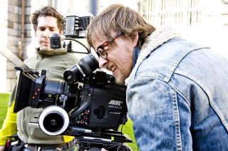 KAMERAKONTROLL: Regiss�rene R�nning (bildet) og Sandberg har en klar rollefordeling, der f�rstnevnte jobber mest bak kameraet og sistnevnte jobber mest med skuespillerne.