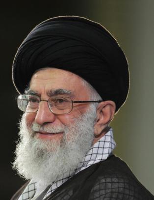 Ayatolla Ali Khamenei langer ut mot USA