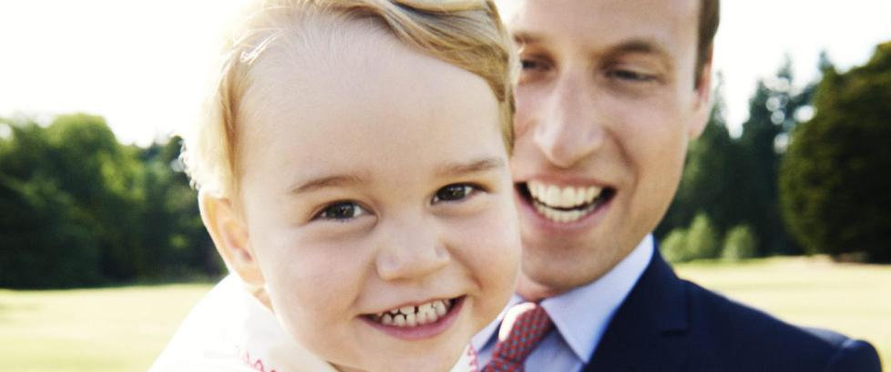 Prins George fyller to �r i dag: Kongefamilien dropper feiringa