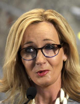 J.K Rowling om Nilus Langballes forvandling: - Advar meg neste gang