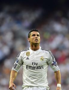 Ronaldo rasende p� Benitez p� Real-trening: - N� forbereder United rekordbud