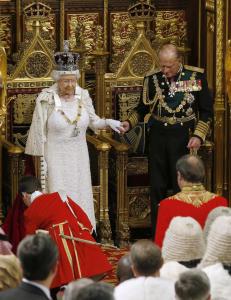 Dronningen har et problem: Overhuset er fullt. Og de vet ikke hvordan de skal l�se det