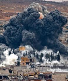 USA har brukt 24 milliarder kroner p� � bombe IS. Men terrorgruppa st�r like sterkt