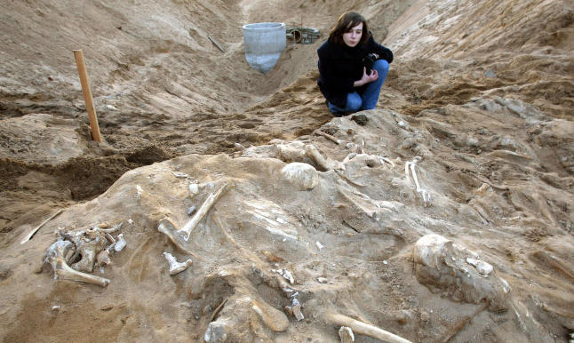 Mysteriet i massegraven l�st etter 200 �r