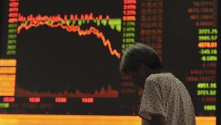 SISTE: B�rsene i Kina fortsetter � stupe