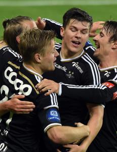 Mikkelsen-dobbel og Hellands frisparkperle snudde til seier for Rosenborg