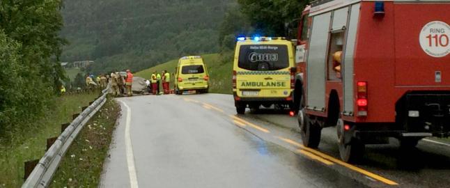 �n person omkommet etter alvorlig bilulykke i S�r-Tr�ndelag