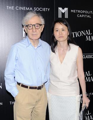 Woody Allen om forholdet til eksens adoptivdatter: - Trodde det bare var en flørt