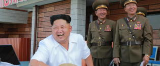 Kim hylles med pris tidligere gitt til Mahatma Gandhi og Aung San Suu Kyi