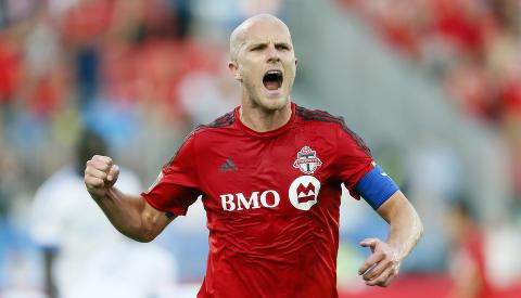 TORONTO-STJERNE: Michael Bradley tjener 60 millioner kroner i �ret i den canadiske klubben. Foto: Scanpix