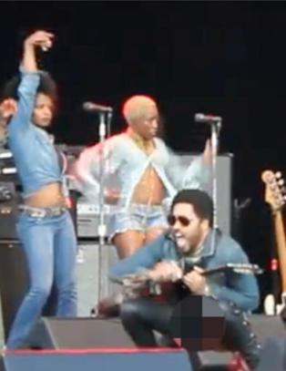 Steven Tyler imponert over utstyret til Kravitz: �You never showed me that shit�