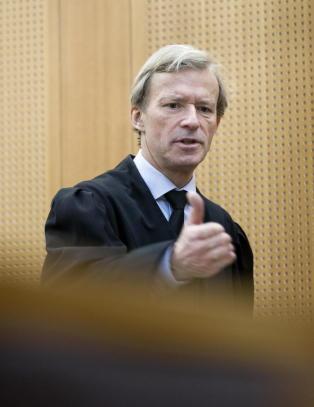 Advokatene slakter d�rlig l�nn: - F�r ikke betalt for hele jobben, s� velger heller de godt betalte jobbene