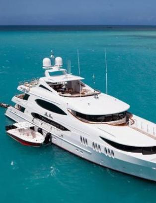 Vil ikke svare på hvem som betalte for kronprinsparets luksusferie om bord i yacht til 2 millioner i uka