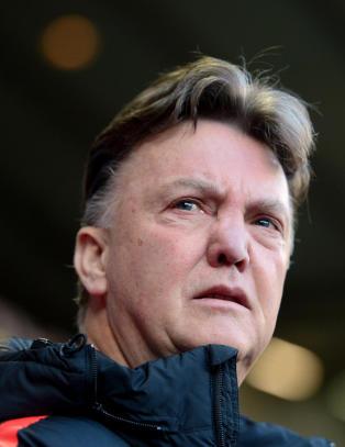 Van Gaal forsvarer sjefen etter p�stander om misn�ye