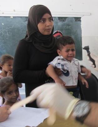 Tredobling av tyfoid-feber i Yarmouk-leiren i Syria