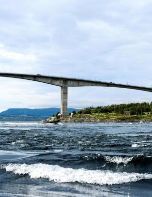 Vannet beveger seg i opp til 40 km/t i verdens sterkeste malstr�m