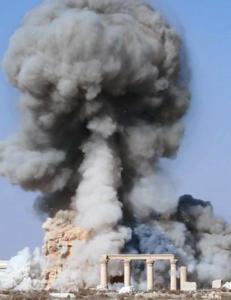 IS dreper og knuser historien i Palmyra.