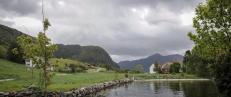 �P� bilferie gjennom Norge kan en ikke unng� � forbl�ffes over hvor menneskene velger � bosette seg�