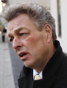 Politimann erkjenner seksuell omgang, men mener det ikke var i kraft av hans stilling